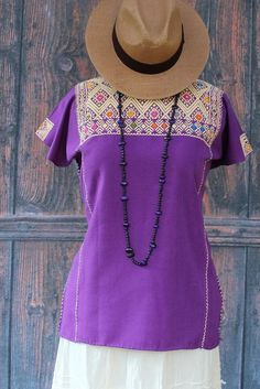 Purple & Cream Huipil Larrainzar, Chiapas Mexico, Hand Woven Mayan, Boho, Hippie #Handmade #Huipiltunic