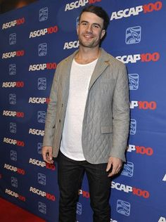 Sam Hunt arrives on the red carpet for The 52nd annual