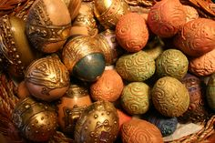 Yvonne Magener - Ceramic and Polymer  clay eggs
