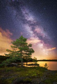 Light Shines in Darkness by Ole Henrik Skjelstad on 500px