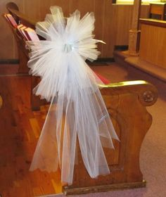Cheap Tulle;  Easy step by step tutorials for creating gorgeous tulle decorations, pew and church flowers, centerpieces and more.