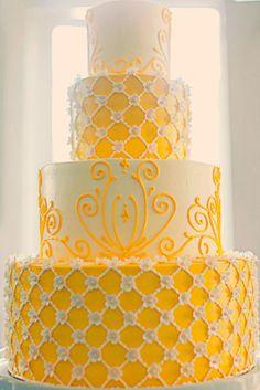 unique-yellow-and-white-wedding-cake