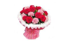 Blooming Carnation @ Rs.850.00