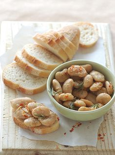 Warm Butter Beans with Rosemary & Garlic -- another five-ingredient recipe that could be served up with greens and a nice loaf of crusty bread. #vegan