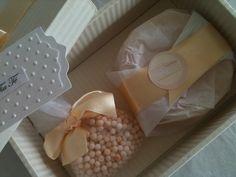kit sabonete e sache,  Fleurs de Provence .  kits  disponíveis para venda.  (11) 95128-7000 contato@helobox.com