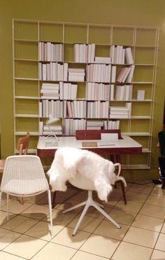 こんなシンプルでミニマムな書斎を持ちたい