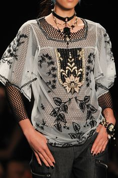 Anna Sui Spring 2013 - Details