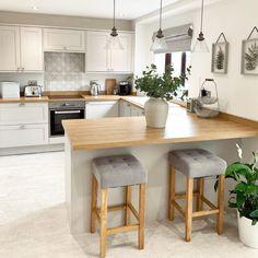 Neutral Kitchen Designs, Kitchen Room Design, Kitchen Layout, Home Decor Kitchen, Interior Design Kitchen, New Kitchen, Open Plan Kitchen Dining Living, Open Plan Kitchen Diner, Living Room Kitchen