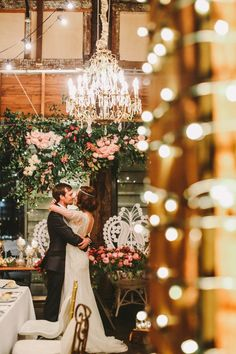 Sydney Wedding: Romantic Botanical Garden Theme - MODwedding