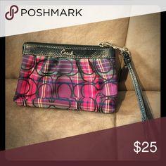 Coach wristlet purse Authentic Coach wristlet Coach Bags Clutches & Wristlets