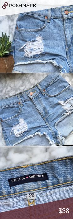 Brandy Melville•Distressed Jean Shorts Perfect light wash denim cutoffs! Great for festival season, summer vacation, or just hanging out. ✌☀️Great pre-owned condition. Brandy Melville Shorts Jean Shorts
