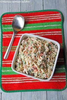 Usein meillä on uudenvuoden aattona perunasalaattia, mutta koska tein perunagratiinia , perunasalaatti ei oikein sen kanssa sopinut. Ni... Pasta Salad, Side Dishes, Salads, Food And Drink, Bread, Chicken, Ethnic Recipes, Party, Crab Pasta Salad