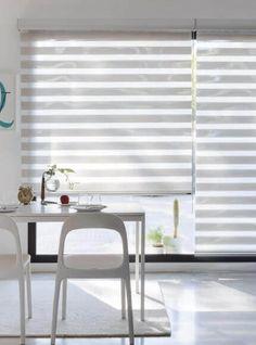 ¿Quieres una cocina bonita y práctica? Con un enrollable noche y día podrás regular la luz fácilmente y los tejidos screen podrás limpiarlos con un simple paño húmedo.    www.cortinaslucia.es