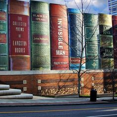 """nedim1968: """"La Bibliothèque municipale de Kansas City (USA) La Bibliothèque municipale de Kansas City aux États Unis s'est rendue célèbre par son originalité architecturale. En effet, elle propose une façade en forme de grands livres rangés, un peu..."""