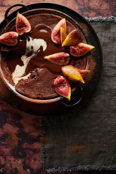 Chocolate Ricotta Fig Pudding - The White Ramekins Fig Recipes, Sweet Recipes, Recipies, Fig Pudding, Chocolate Fudge Sauce, Baking With Honey, Dried Figs, Winter Food, Melting Chocolate