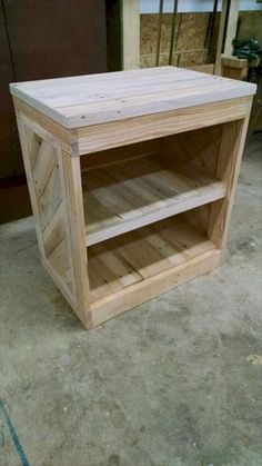 Nice 70 Cool Wooden Pallet Furniture Project Ideas https://homeylife.com/70-cool-wooden-pallet-furniture-project-ideas/
