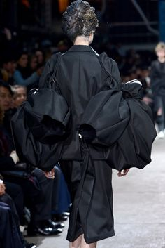 Comme des Garçons Fall 2013 Ready-to-Wear Accessories Photos - Vogue