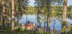 Specialist lapland en noorderlicht reizen en vakanties naar Zweden, Finland, IJsland, de Lofoten, Noorwegen en Spitsbergen. Overnachten in kleinschalige lodges in the middle of nowhere, in de aurora borealis zone: husky, sneeuwscooter, rendieren, icehotel.