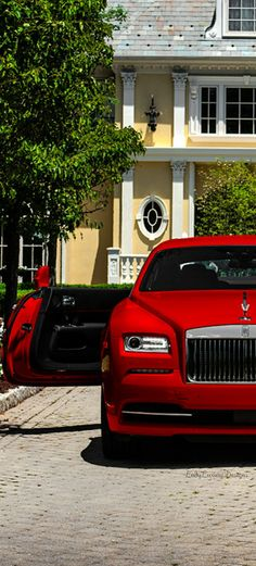 LADY LUXURY - Rolls-Royce-Wraith-St-James-Red @LadyLuxury7