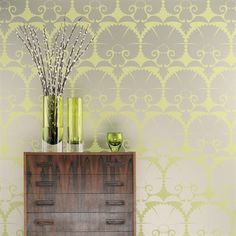 Wilde Carnation--- perfect color and pattern for a Chi Omega house! Osborne and Little Wallpaper Ideas Decoracion Salon, Osborne And Little, Turbulence Deco, Living Comedor, Cute Dorm Rooms, Contemporary Wallpaper, Contemporary Decor, Deco Floral, Mellow Yellow