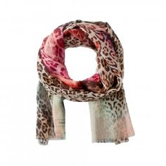 Leopard print - Just typically Codello! The stunning scarf is made from soft wool and features popular leopard print and modern colour tones. The fabric is especially soft and comfortable to wear.