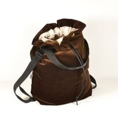 Two Cut // Produkte Leather Backpack, Label, Backpacks, Bags, Fashion, Challenges, Products, Handbags, Leather Backpacks