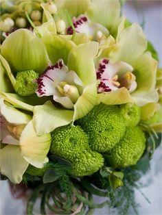 #Green #wedding #bouquet ... Wedding ideas for brides, grooms, parents  planners ... https://itunes.apple.com/us/app/the-gold-wedding-planner/id498112599?ls=1=8 … plus how to organise an entire wedding ♥ The Gold Wedding Planner iPhone App ♥