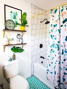 3 Design Tips That Will Make You Actually Love Your Bathroom – Home living color wall treatment kitchen design Bad Inspiration, Bathroom Inspiration, Bathroom Interior Design, Interior Design Tips, Cortina Box, Home Improvement Loans, Interiores Design, Home And Living, Home Goods