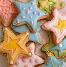 Resultado de imagem para christmas cookies 5 point star icing
