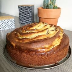 Spiral Cake with Chocolate and Pastry Cream - Cuisine - Easy Salad Recipes Crepe Recipes, Easy Cake Recipes, Healthy Salad Recipes, Dessert Recipes, Chocolate Cake Recipe Easy, Chocolate Recipes, Cake Chocolate, Food Cakes, Gateau Cake