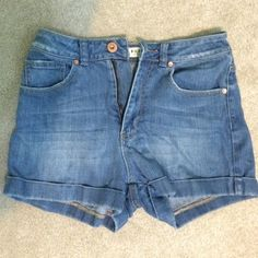 Bullhead Denim High-Waisted Shorts Minimally worn, i'm selling them because they're too small for me, so they're almost brand new. High quality denim and perfect for summer! They hit around the belly button. They are size 5- would fit anyone that's a 4/6 or M Bullhead Shorts Jean Shorts