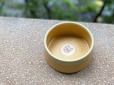 ChillPlanet doggy bowl is now on line for sale, all of them are hand-made by QinChen-design. Neverspill cermic bowl is handcrafted and carefully designed for your lovely dog.