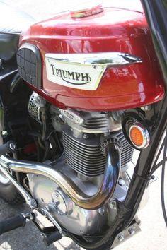 Ajs Motorcycles, British Motorcycles, Triumph Motorcycles, Vintage Motorcycles, Classic Bikes, Classic Cars, Motorcycle Garage, Hot Bikes, Moto Style