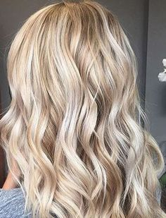 Attractive-Long-Hairstyles-for-Blonde-Women-in-2017