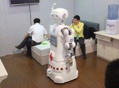 huihui-Robots serve elderly in China nursing home