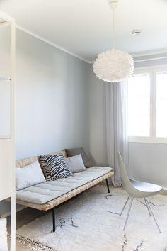IKEA sinnerlig, työhuone, sisustus, interior, decor, drop chair, beni ouarai Ikea, Drop, Chihuahua, Lounge, Couch, Lifestyle, Interior, Furniture, Home Decor