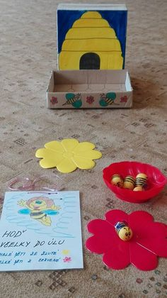 Aa School, School Clubs, Bee Crafts, Diy And Crafts, Diy For Kids, Crafts For Kids, Toddler Activities, Play, Education