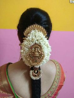South Indian Wedding Hairstyles, Bridal Hairstyle Indian Wedding, Bridal Hair Buns, Bridal Hairdo, Hairdo Wedding, Indian Hairstyles, Wedding Bride, Saree Hairstyles, Bride Hairstyles