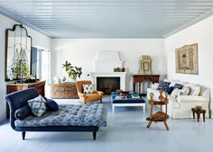 An Elegant New York Apartment with Fashion-Forward Style - Architectural Digest Architectural Digest, Architectural Features, Lounges, Design Living Room, Living Spaces, Living Rooms, Living Area, Accent Ceiling, Ceiling Color