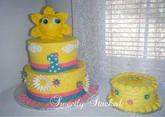 """Sun Cake Amp Smash Cake Theme Wasyou Are My Sunshine Sun cake & smash cake. Theme was""""You are my sunshine."""""""