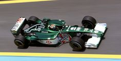 Jaguar Racing                                                        No.18 Eddie IRVINE                                       JAGUAR R2 Ford Cosworth CR-3 NA3.0L V10 Michelin
