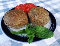 Прелесть греческой кухни — интересные блюда из самых простых продуктов. Эти полезные котлетки очень нежные и пышные. К ним не нужен гарнир, достаточное количество овощей в фарше делает их сочными и...
