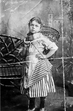 Betty Cuthbert, aged 11 - a young fishergirl in the traditional striped skirt. Scottish Costume, Vintage Baskets, 19th Century Fashion, Primitive Folk Art, Photo Search, Old London, Island Life, Old Photos, Famous People