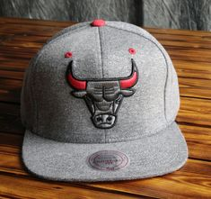 07d9cd47ca9aa Chicago Bulls Mitchell   Ness Broad Street 2.0 Snapback Hat Chicago Bulls  Outfit