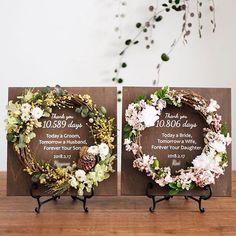 Mimosa and Cherry blossoms. ミモザと桜の組み合わせでご注文いただきましたリース付き感謝状 お式前のお忙しい時にもかかわらずわざわざ到着のご連絡をくださいました お気に召していただけて何よりでした 明日お式ですね 末永いお幸せをお祈りいたします . . ウェルカムボードや感謝状のリース付き木製ボード 木製ボードにはお名前と記念日挙式日などを印字してご注文から2週間でお届けいたします ボードのカラーはホワイトウォルナットの2種類 リースはドライプリザーブドアーティフィシャルのミックスです リースの部分はオーダーもOK お問い合わせご注文はHPから承っています . . #ウェルカムボード #ウェルカムスペース#受付サイン #オーダーメイド #ウェディングブーケ #リースブーケ #リース #結婚式準備 #2018夏婚 #2018春婚 #両親贈呈品 #新築祝い #結婚祝い #名入れ #ギフト #両親へのプレゼント #子育て感謝状 #花のある暮らし #花のある生活 #ドライフラワー#ドライフラワーのある暮らし #dsfloral#wreaths…