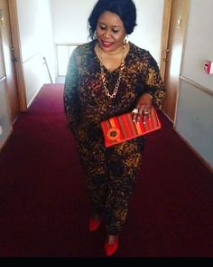 One of our clients rocking one of our Kikoy clutches.  Thank you for your support. #happycustomer #africanprint #tribe_accessories #fashionblogger #fashionista #trendyclutches #clutches #handmadeclutches #supportsmallbusiness #blogger