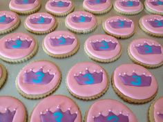 Cookies to celebrate the little princess:)