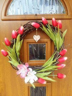 Tvořím to co mě baví:): Věnec na dveře s tulipány