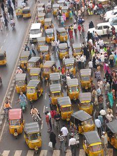 INDIA - Rickshaw Chaos