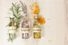 Aromatherapy and Massage is a popular form of natural healing work that involves using aromatic essential oils to promote health and well being. Aromatherapy And Massage . Essential Oil Perfume, Best Essential Oils, Perfume Oils, Essential Oil Blends, Pure Essential, Chakras, Spa Art, Lemongrass Spa, Homemade Perfume